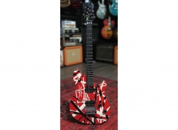 EVH Bundle Wolfgang Special red white striped Occasion